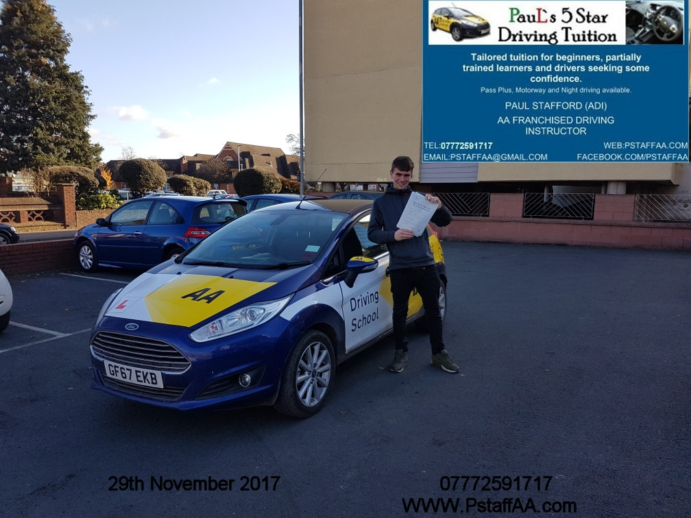 Extended Driving Test Pass Sam Mcarthy with Pauls 5 Star Driving Tuition